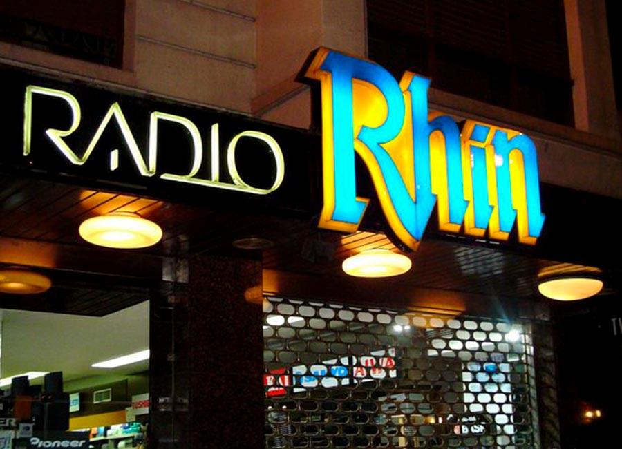 Rotulo luminoso de Radio Rhin en mateoRotulos