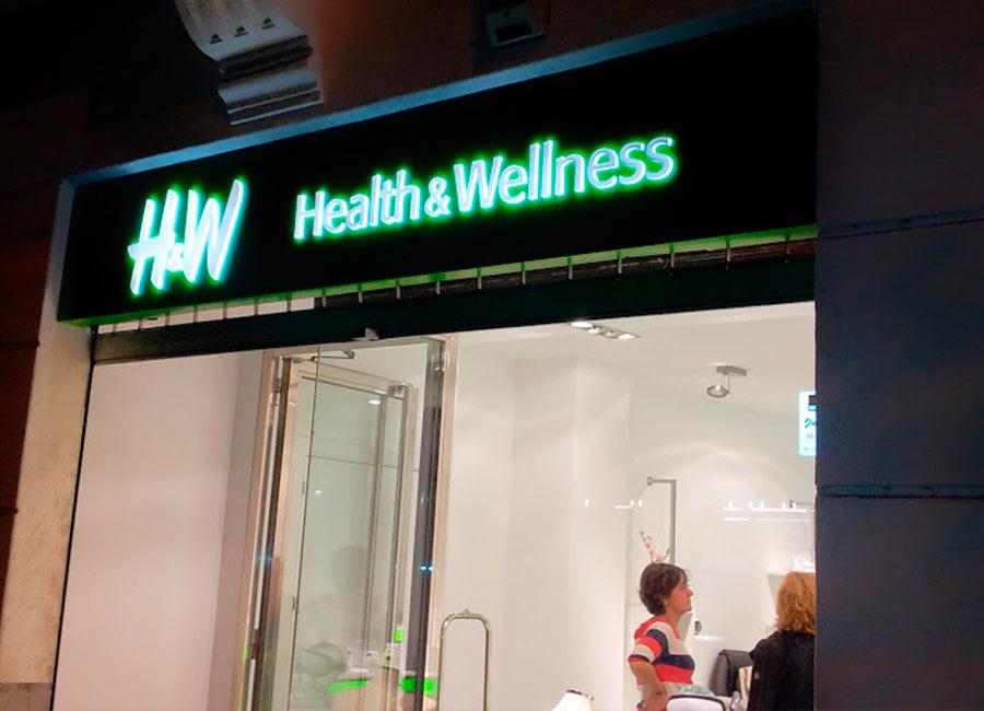 Rótulo luminoso de H&W en mateoRotulos